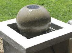 Dekorativer Brunnen für den Garten