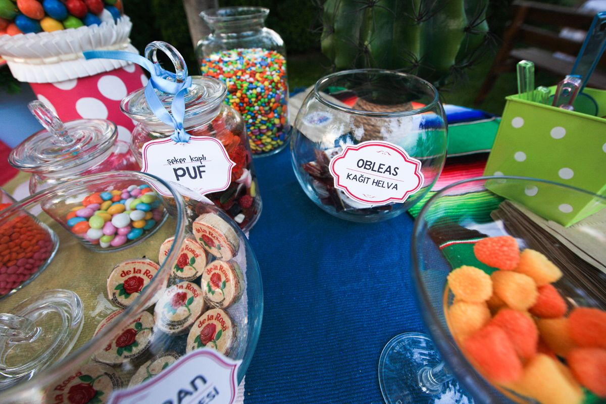 www.pro-ned.com Candy Table for Mexican Themed Wedding Meksika ...