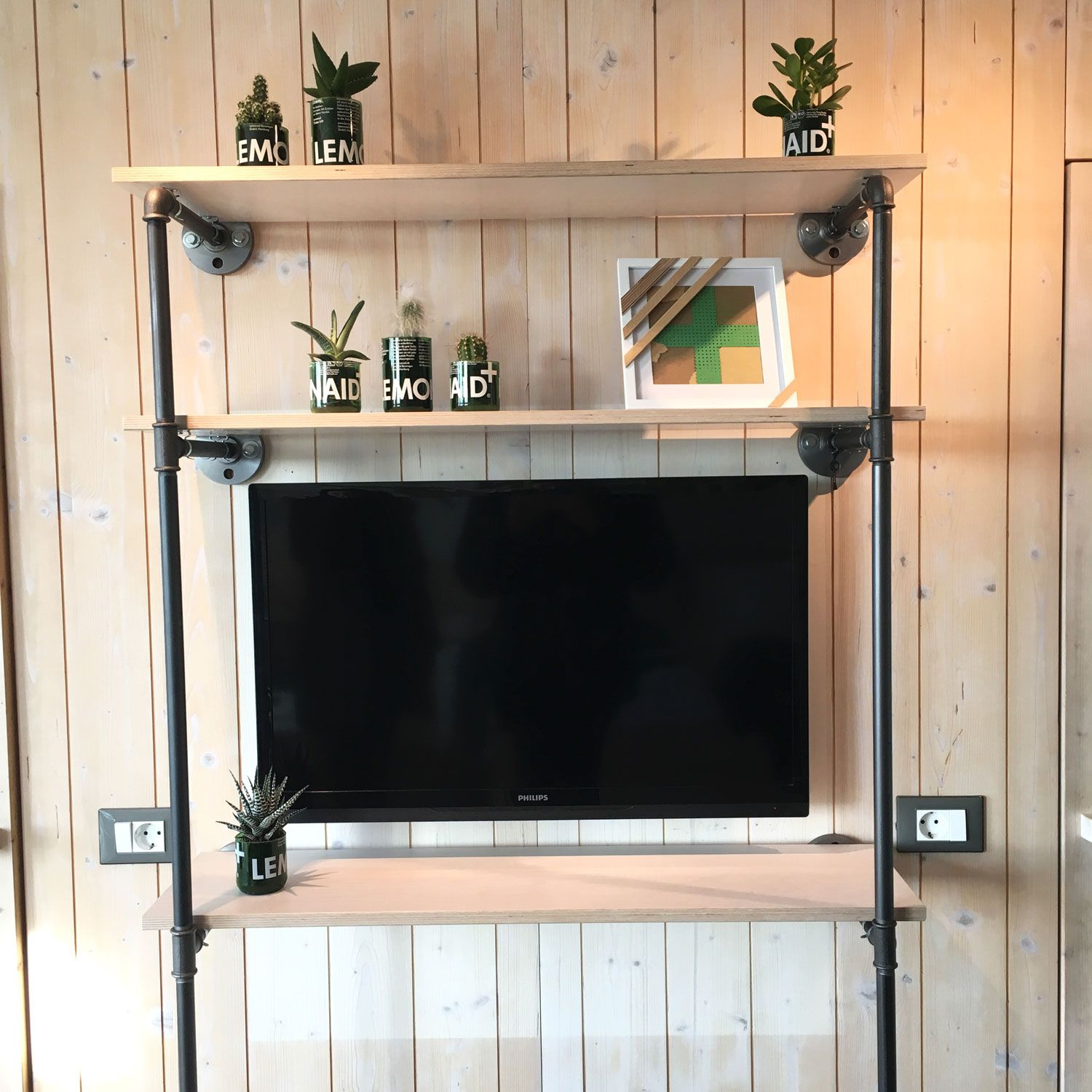 tv-rack-industriedesign-industrial-design-rohr-wasserrohr ...