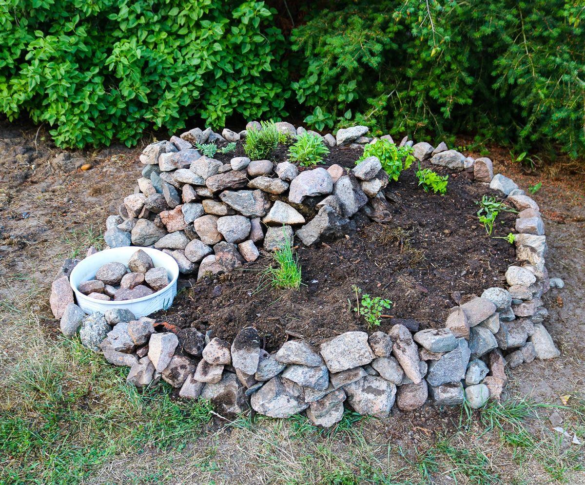 Diy Krauterspirale Im Garten Bauen 11