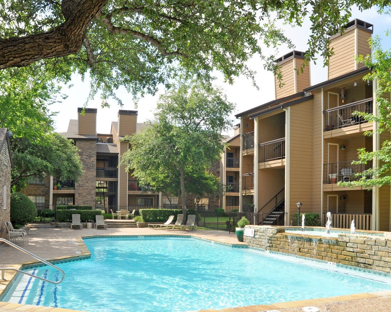 1 And 2 Bedroom Apartments In Dallas, TX. Http: