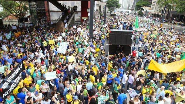 Veja imagens do protesto contra Dilma em São Paulo que a imprensa não viu | ATÉ QUE PONTO NOS CONTARAM A VERDADE