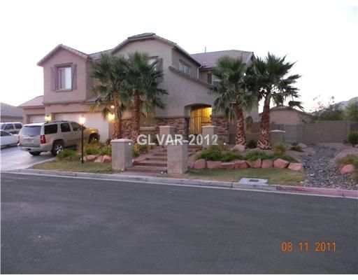 Call Las Vegas Realtor Jeff Mix at 702-510-9625 to view this home in Las Vegas on 5600 BREECHER AV, Las Vegas, NEVADA 89131  which is listed for $375,000 with 5 bedrooms, 3 Baths, 1 partial baths and 3782 square feet of living space. To see more Las Vegas Homes & Las Vegas Real Estate, start your search for Las Vegas homes on our website at www.lvshortsales.com. Click the photo for all of the details on the home.