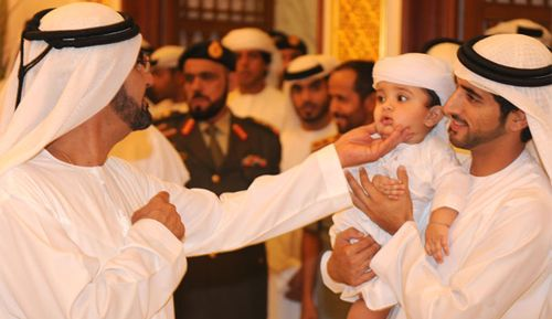 Sheikh-and-his-son.jpg (500×289)