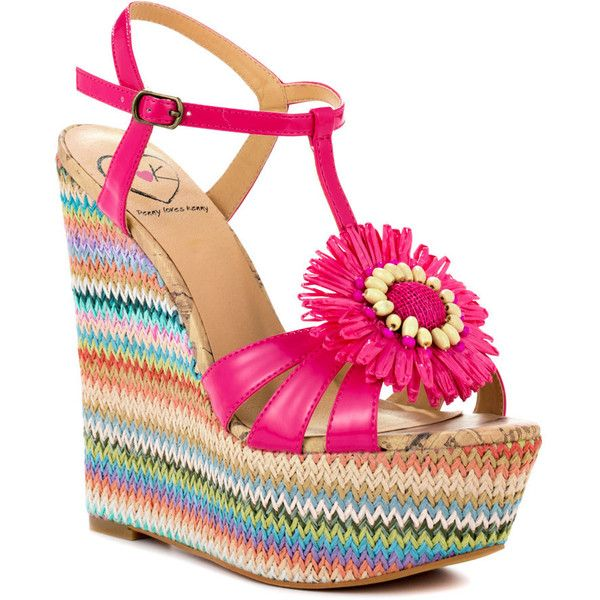 Penny Loves Kenny Billie - Fuchsia Patent (245 BRL) ❤ liked on Polyvore featuring shoes, sandals, espadrilles, platform, ankle strap, wedges, t-strap, open toe, casual and women