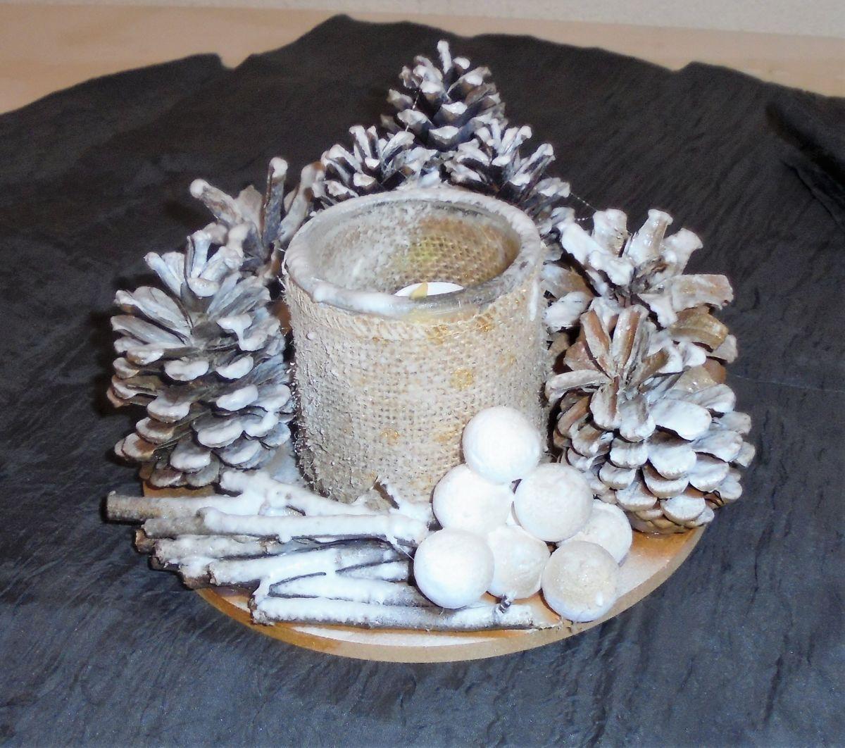 Bouquet De Noel Avec Du Houx centre de table noel rond (artisanat), 14x18x18 cm par