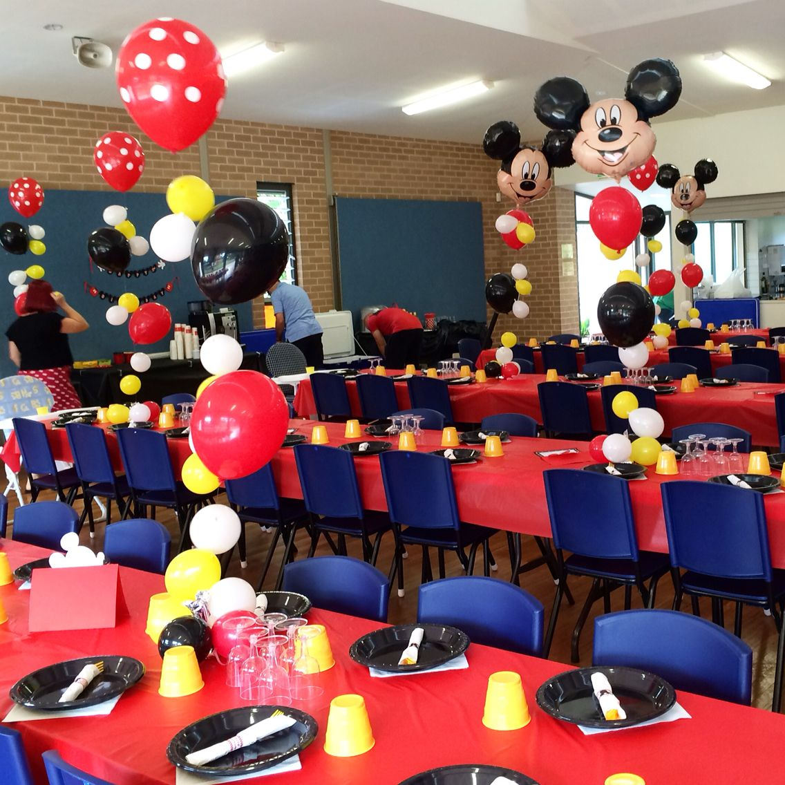 Customised bubble strands with Mickey Mouse and red polka