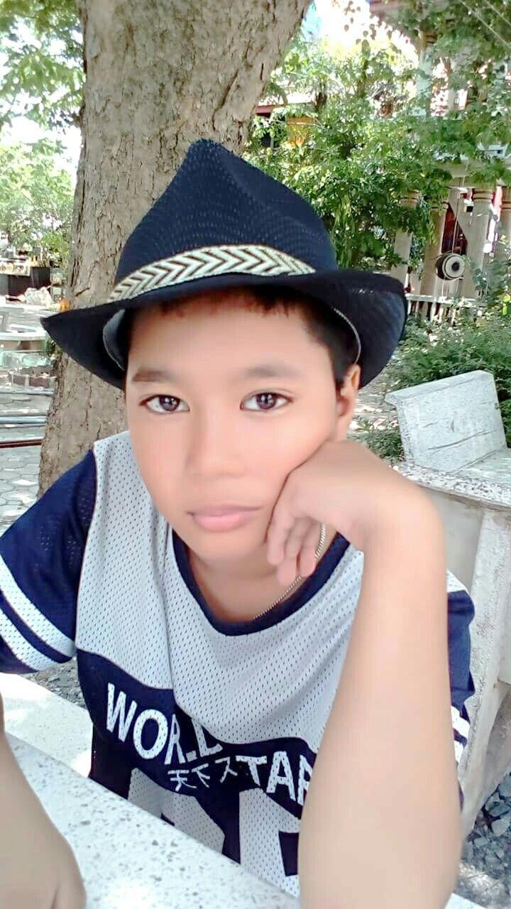 56b29ac9 ปักพินโดย สมบรูณ์ งามสม ใน ลูกชายที่รักประเสริฐ | Hats และ Fashion