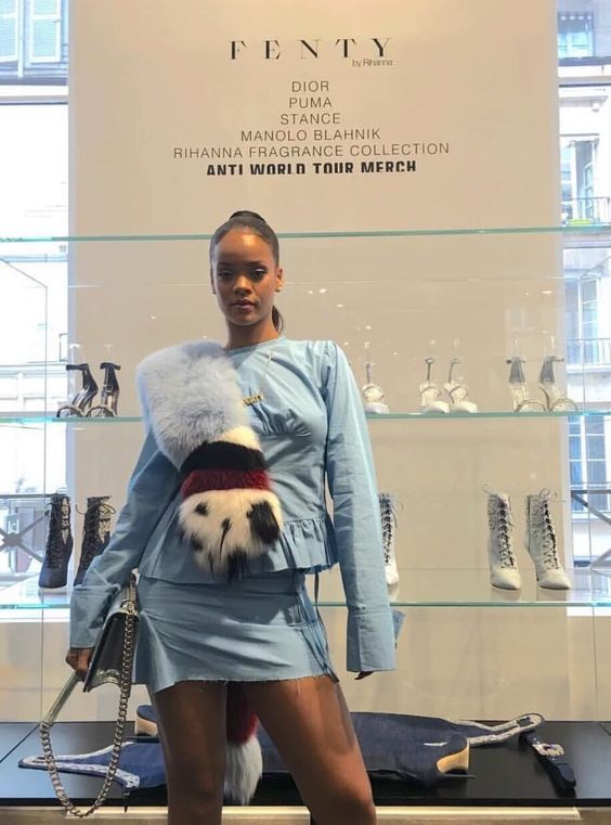 Rihanna at the FENTY pop-up shop at Colette in Paris  fb34809a27ee