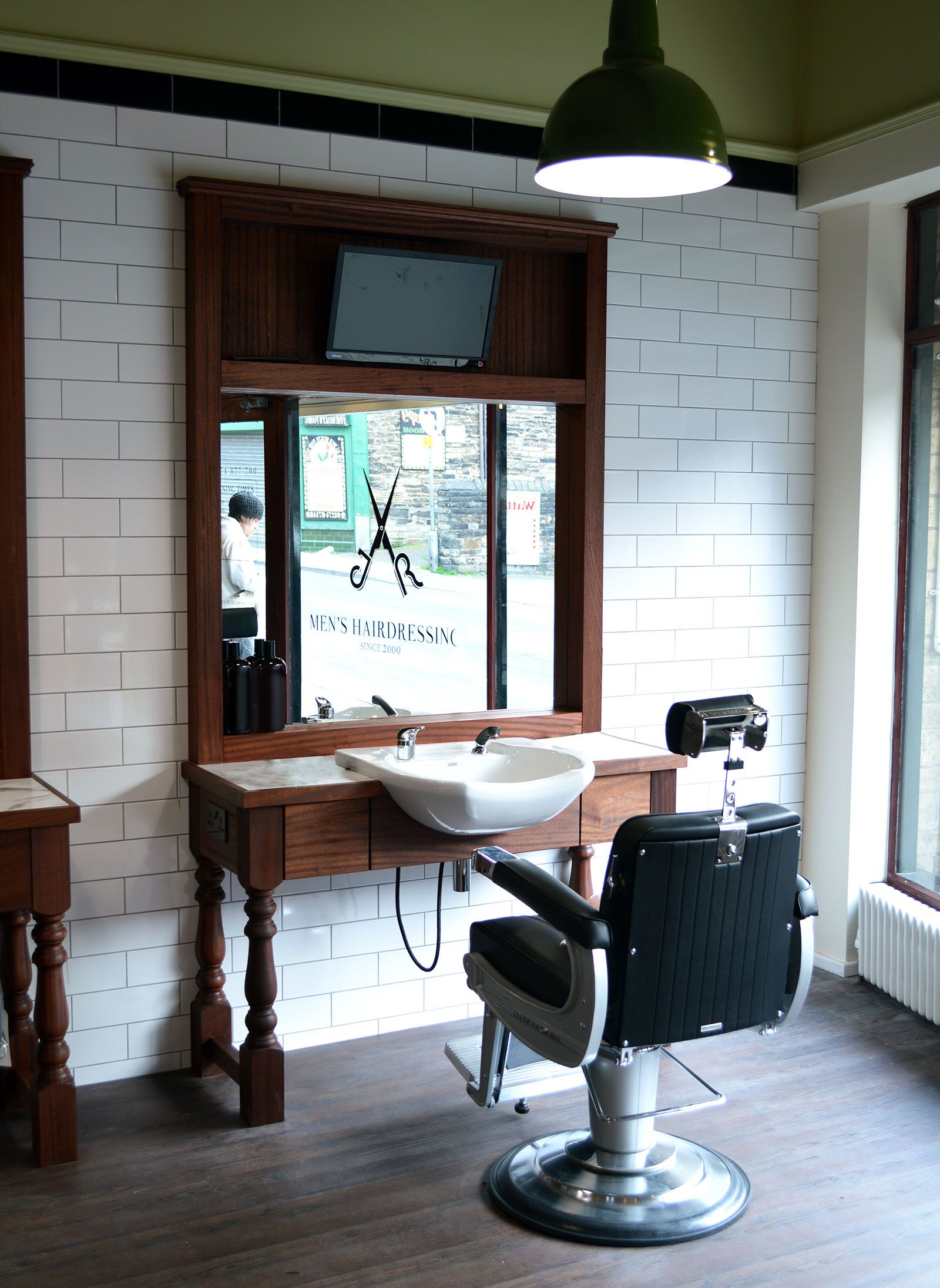 barbers cutting station   jr mens barber shops