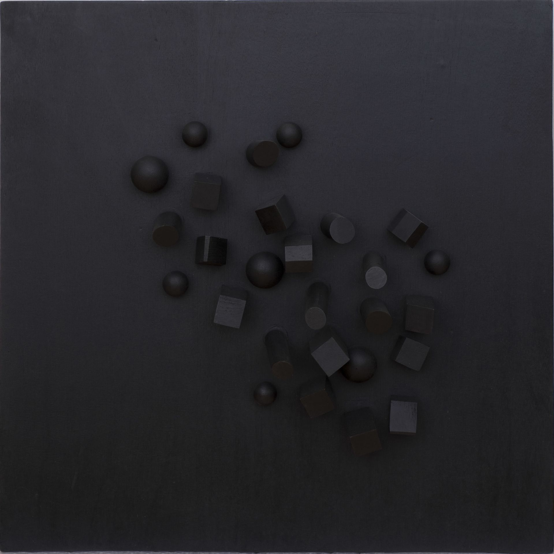 Pol Bury, huit sphères, douze cubes et cinq cylindres sur un plan, 1967