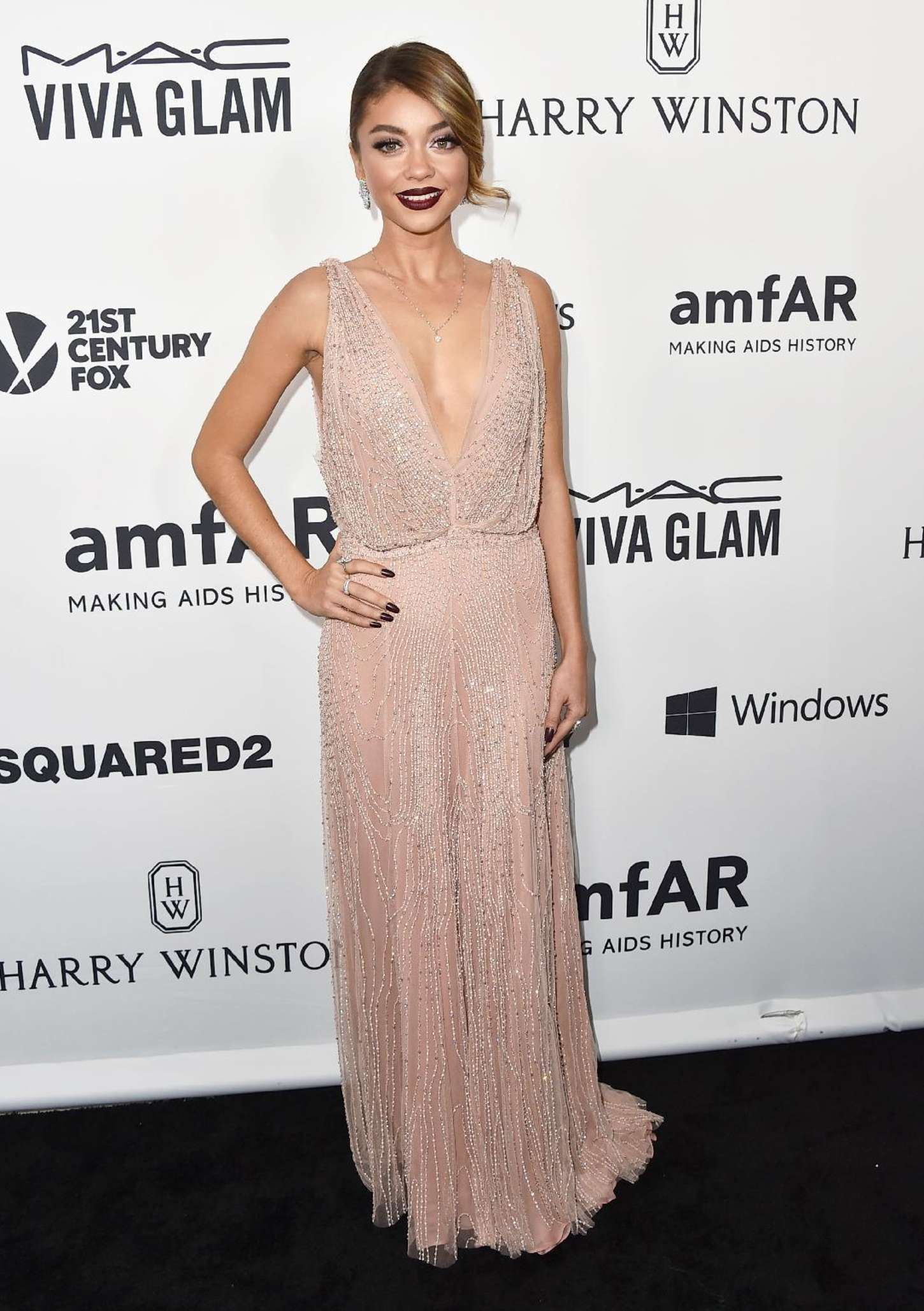 Sarah Hyland in Jenny Packham at amfAR Inspiration Gala in Hollywood ...