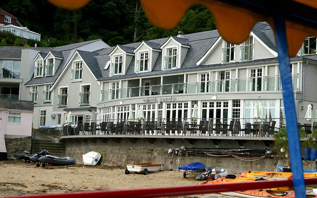 The South Sands Hotel Is A Luxury Boutique And Restaurant On Beach In Salcombe Stylish Comfortable It S Also Dog Friendly