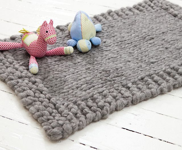 Snuggly Rug by Jacqui Harding - whip one up in a jiffy ...