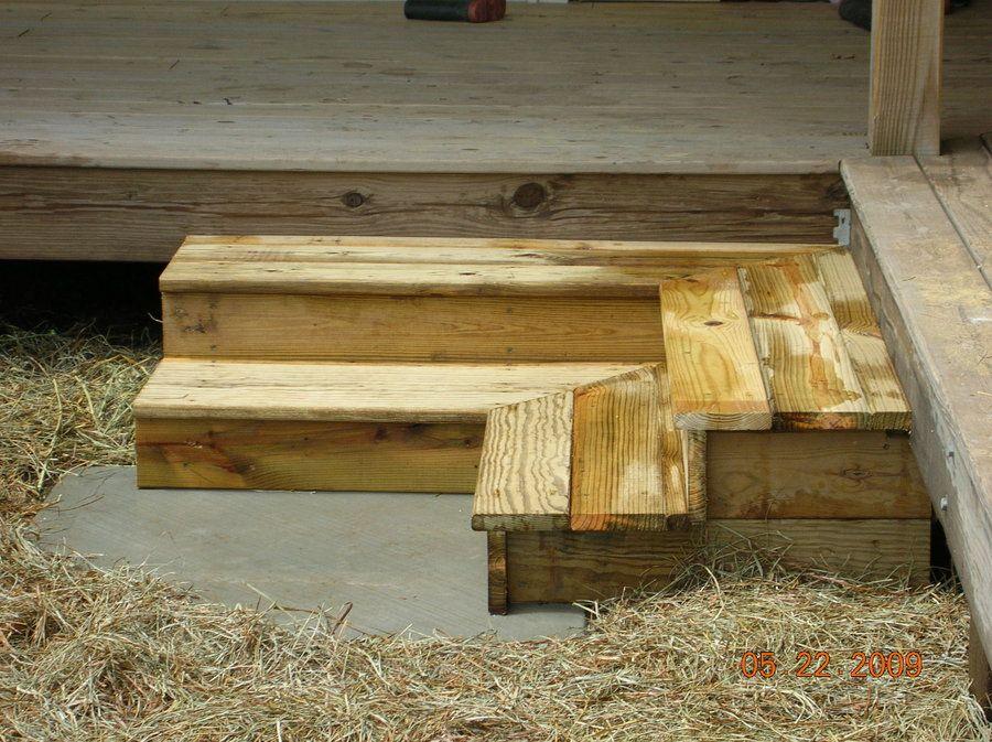 Superbe Corner Wood Steps On A Porch | Inside Corner Steps More Deck ...