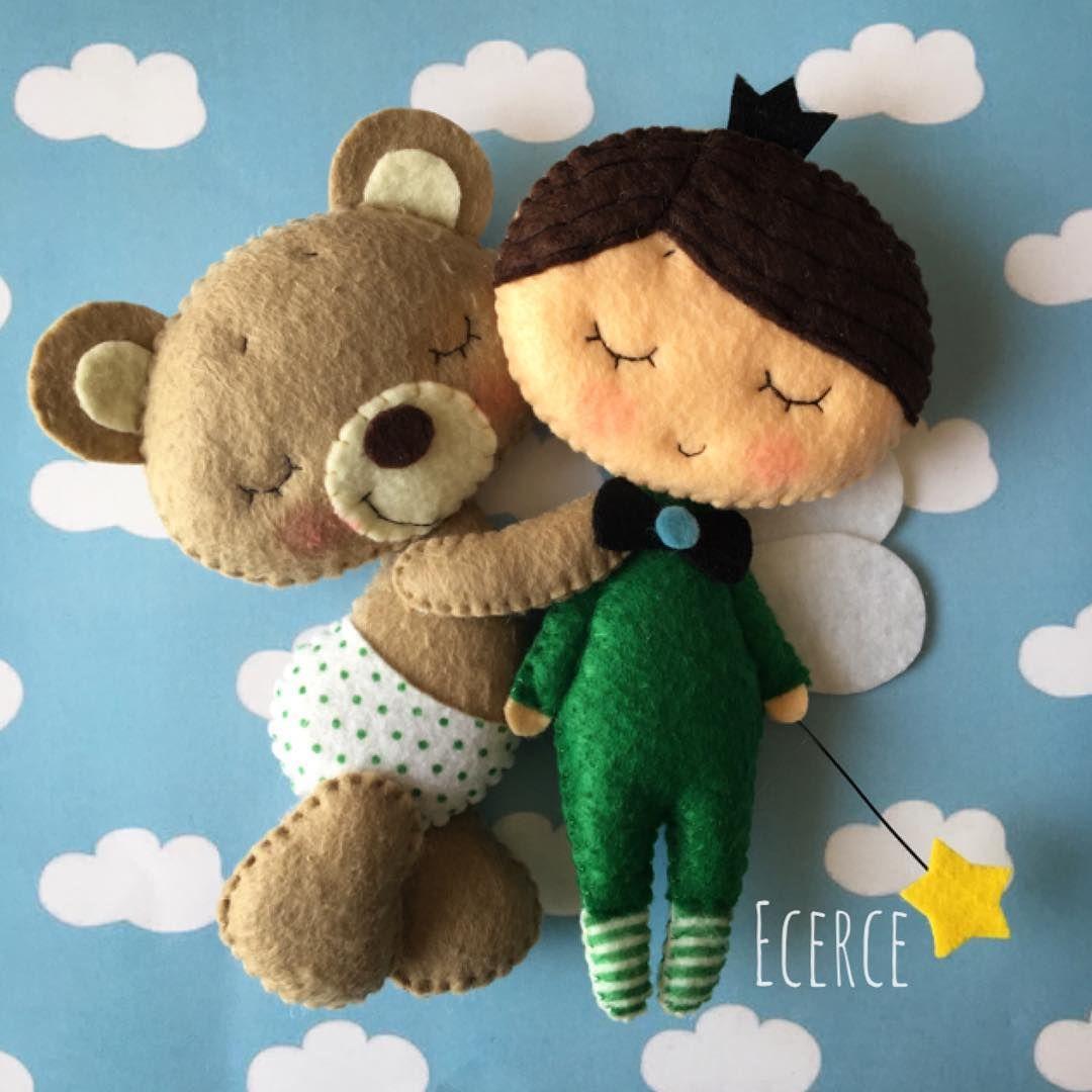 🖤 #keçe #felt #feltro #fieltro #ecerce #tasarim #babyroom #babyroomdecor #elyapimi #handmade #hediye #babyshower #bebekodasi #baby #craft #feltcraft #angel #fairy #bear #feltbear #friends #love #dogumhediyesi #hosgeldinbebek #bebekhediyesi