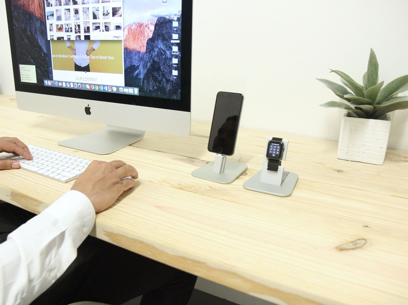 Check out our review of this office setup in our new