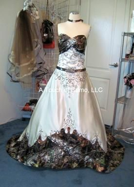a56c6e8370575 Pin by Lydia Crowell on Red nevk | Camo wedding dresses, Wedding ...