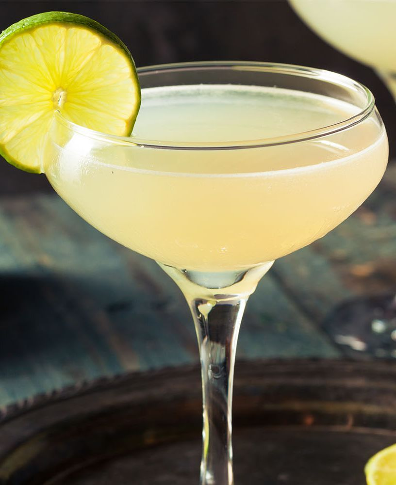 These Are The 10 Most Popular Drinks To Order At A Bar Popular