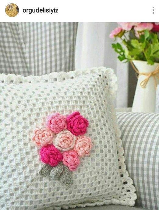 Pin de Nilgün Oktay en Pillow - yastık | Pinterest | Canastilla y Tejido