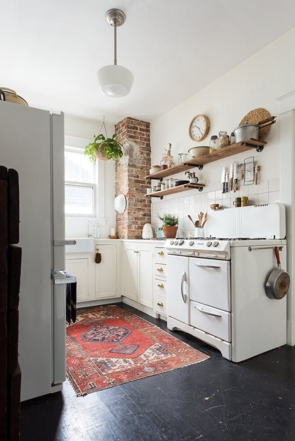 The 7 Things You Ll Always Find In A Pinterest Perfect Kitchen Interior Design Home Kitchens