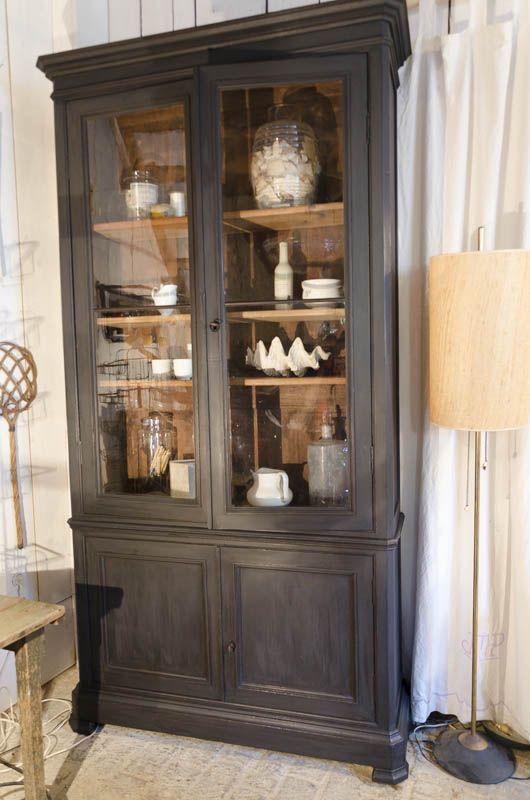 Bibilothèque Bibliothèque+en+bois+noirci+Partie+basse+avec+2+portes