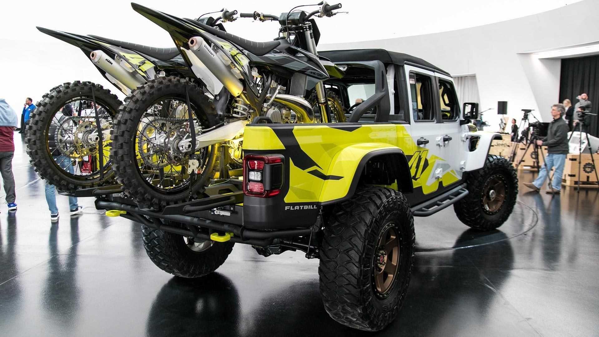 Jeep Gladiator Flatbill Is The Motocross Fan S Pickup Truck Jeep Gladiator Easter Jeep Safari Gladiator