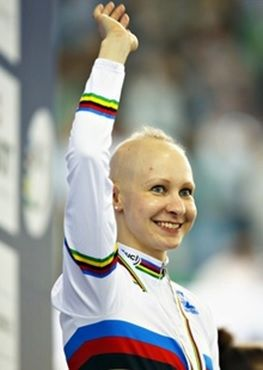 Olympic World Champion Cyclist Joanna Row Started Losing Her Hair At 10 But Now She S Made Peace W Alopecia