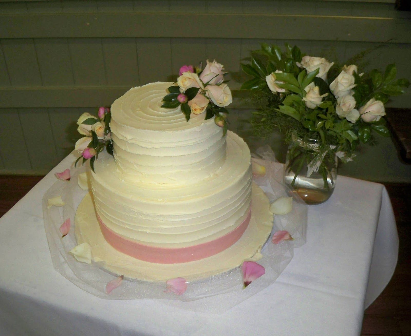 Single tier wedding cakes simple tier textured chocolate ganache