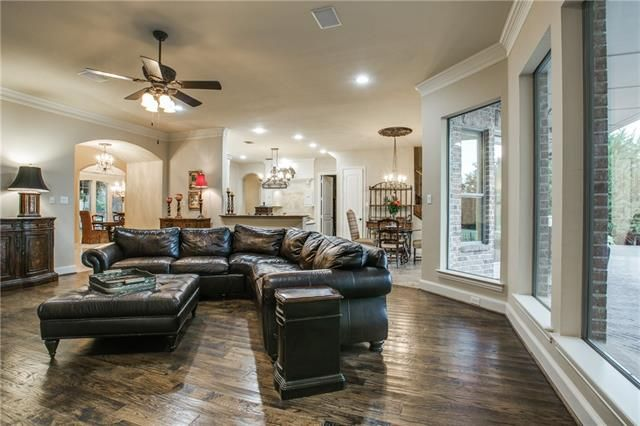 Sought after 2nd bdrm down,dual staircase,gourmet kit w-Viking appl,pull out spice rack,New micro & dishwasher,3 fireplaces,pre-wired for sound in & out.Media w-bar,gamerm w-balcony & desk area   Flat for Sale   Gentle Creek- Prosper ISD