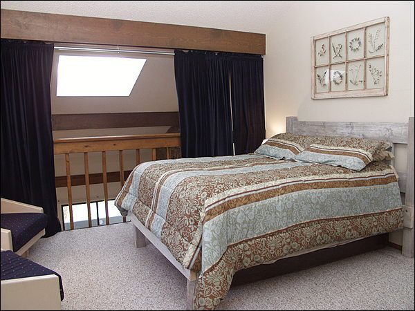 loft bedroom privacy