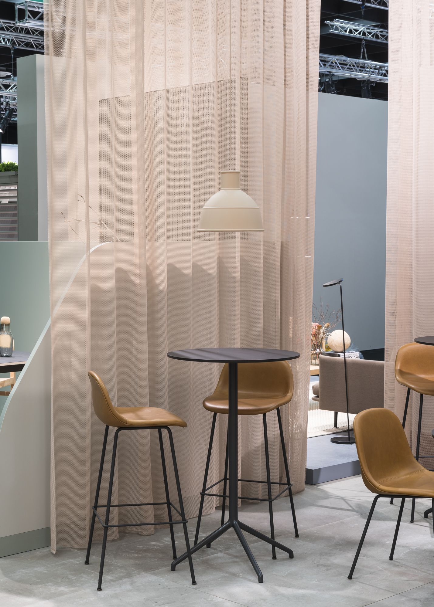 Super Minimal Bar Stool Inspiration From Muuto With An Expression Beatyapartments Chair Design Images Beatyapartmentscom