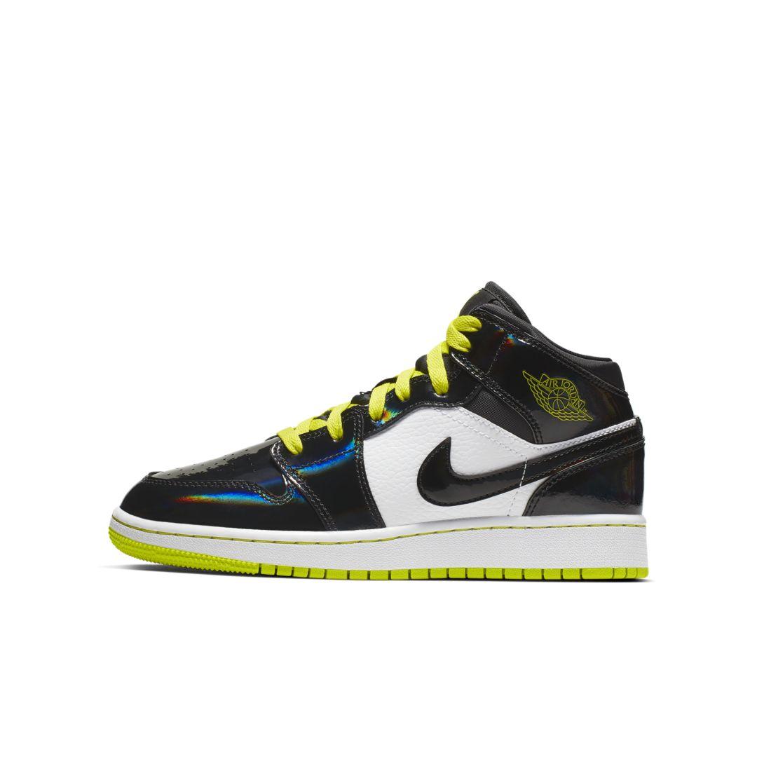 65e926012a3 Air Jordan 1 Mid SE Big Kids' Shoe in 2019 | Products | Jordan 1 mid ...