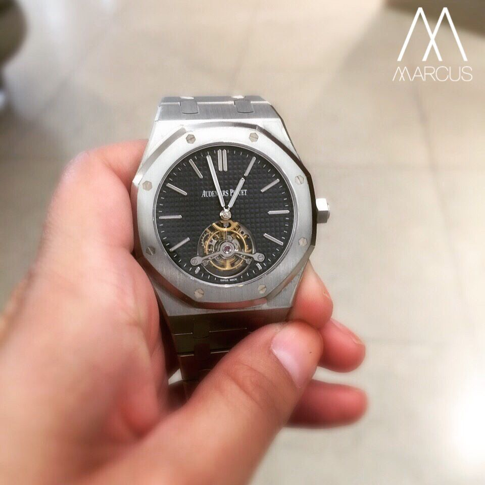 Something special for the evening. This beautiful Audemars Piguet extra-thin Royal Oak Tourbillon.