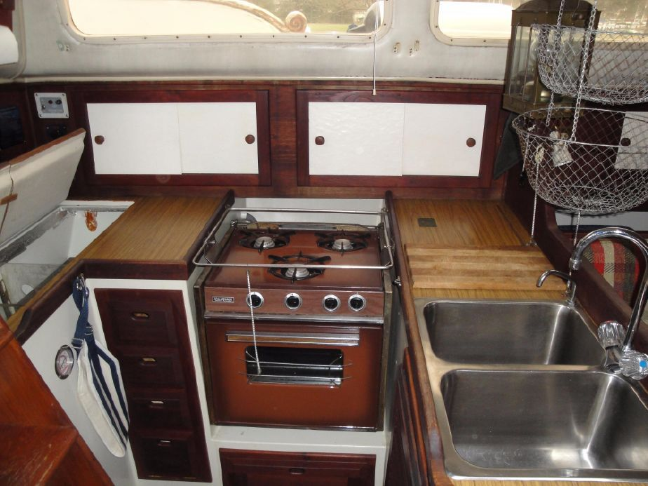 1975 Downeaster 38 Sail Boat For Sale - www.yachtworld.com