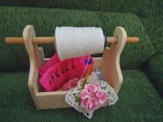 DIY Ideas and Projects of Household Yarn Holders #diyyarnholder