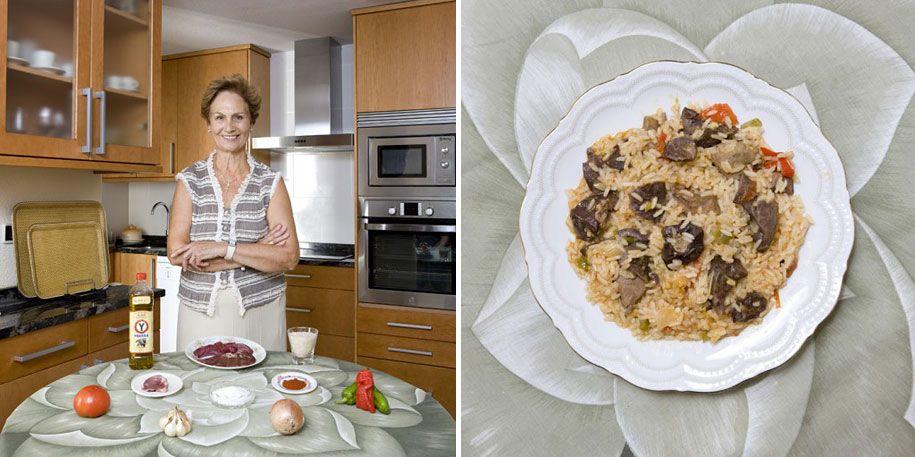 Retratos de abuelas en su cocina alrededor del mundo por el fotógrafo italiano Gabriele Galimberti. País: España  Plato: Asadura de cordero lechal con arroz