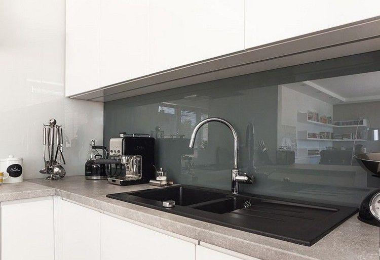 Arbeitsplatte in Kunststein und Glas Spritzschutz Kitchen - wandverkleidung küche glas