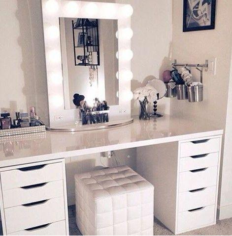 toilets in total white chic MAKEUP CORNER Pinterest White - küchenrückwand ikea erfahrungen
