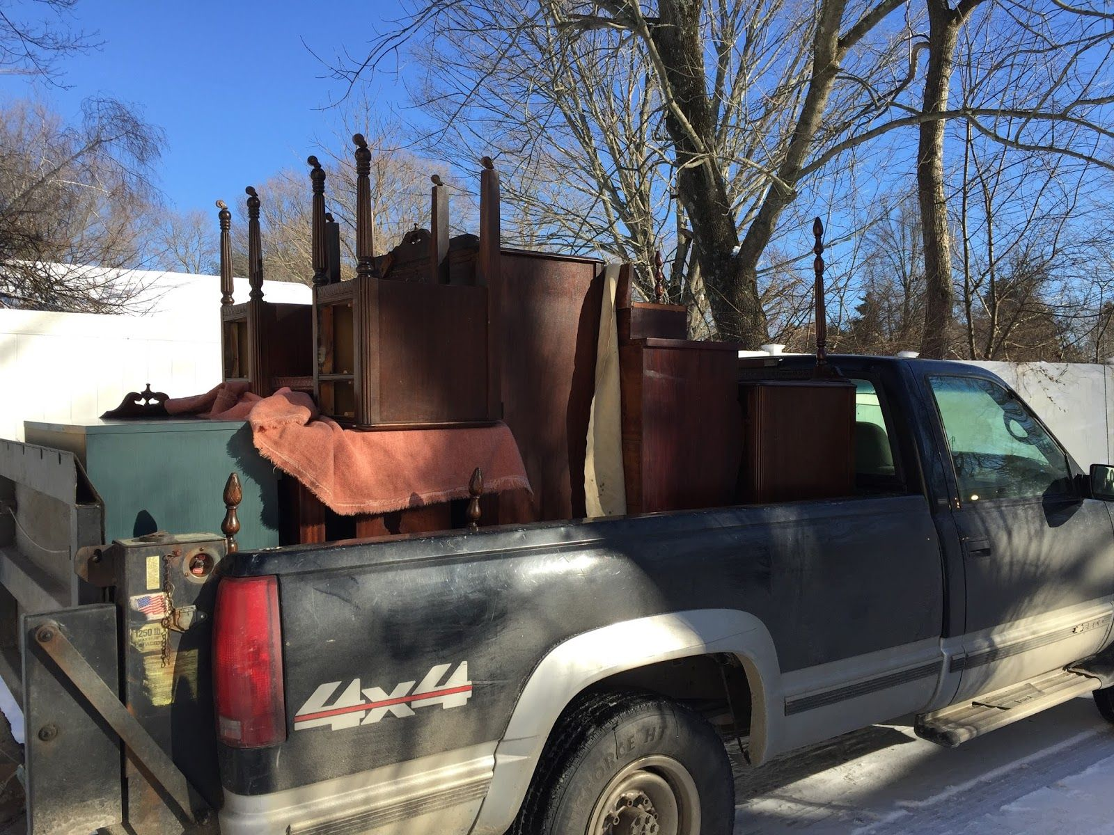 How to Buy Furniture on Craigslist   Buying furniture ...