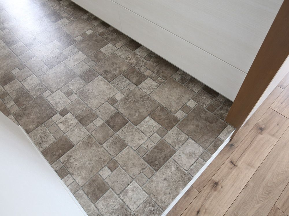 キッチンの床は サンゲツのクッションフロア Cm1243 フラッグ