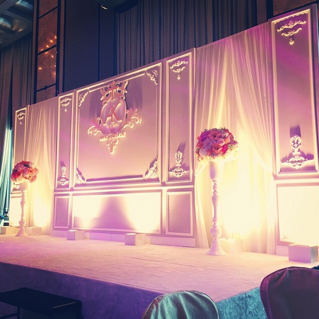 Hong Kong Four Seasons Hotel Wedding Backdrop