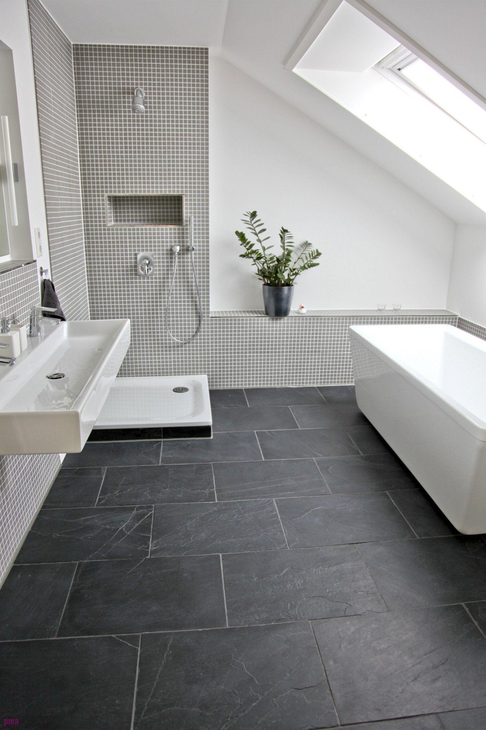 Wohnzimmer Mit Dunklen Fliesen   Badezimmer fliesen, Badezimmer ...