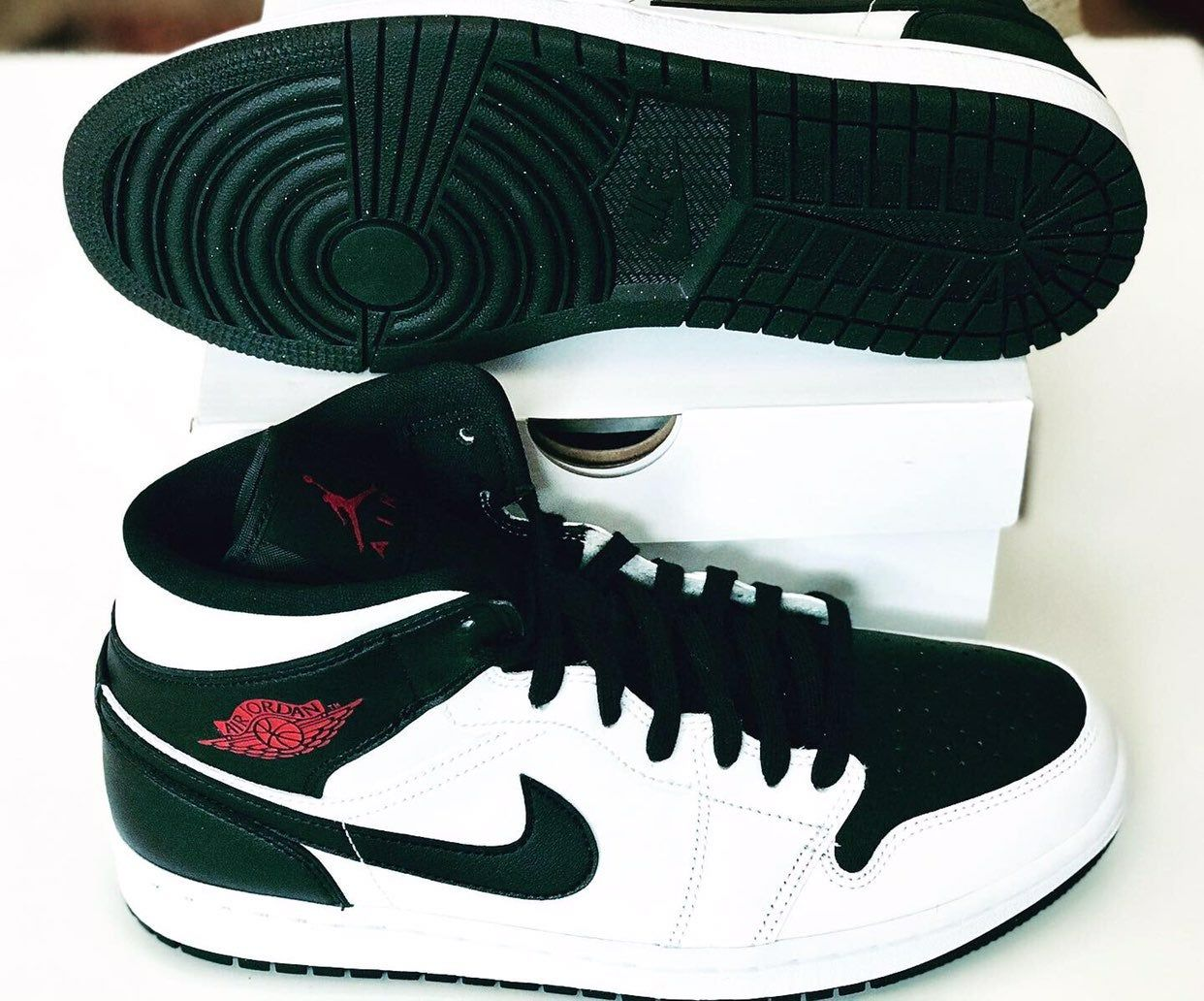 •Brand new w/box •Never worn •Men's size 8 and 8.5/ Women