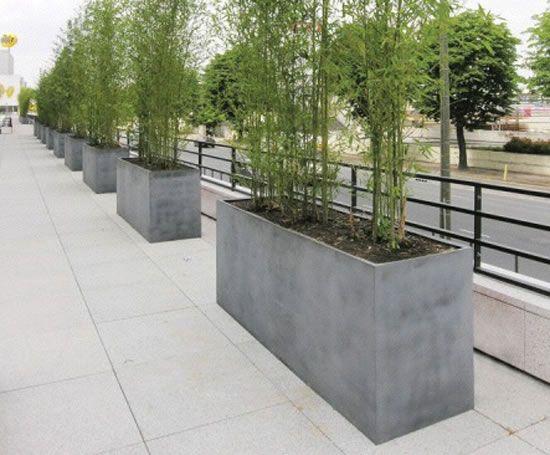 Jardineras altas y estrechas ocupan menos pero la planta - Jardineras de cemento ...