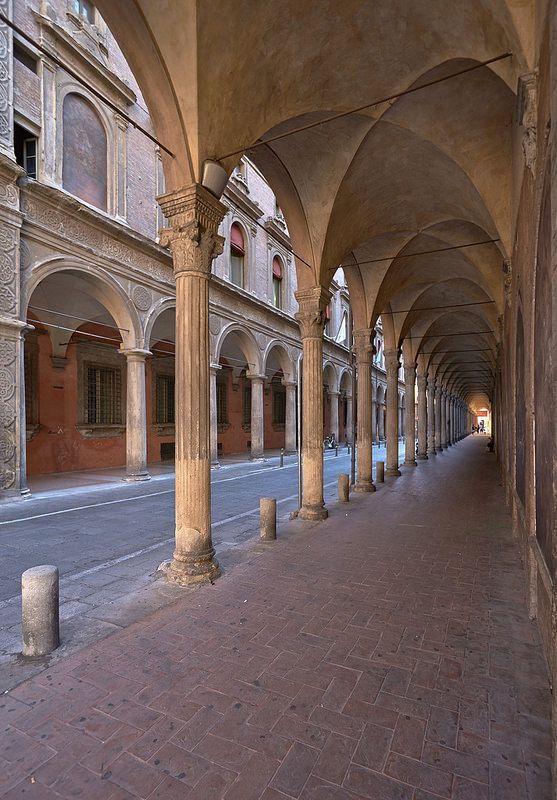 Portico_di_San_Giacomo   Italy   Bologna, Bologna italy, Old town italy