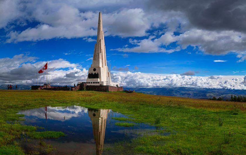 Obelisco Quinua Ayacucho