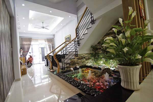 Plant Garden With Round Stair Interior Design At Modern Interior