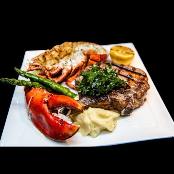 Reserve A Table At Aquaknox The Venetian For Four Star Awarded Seafood And Bar Vegas Travel Yummy Foo Cuisine Dinner Raw Surf