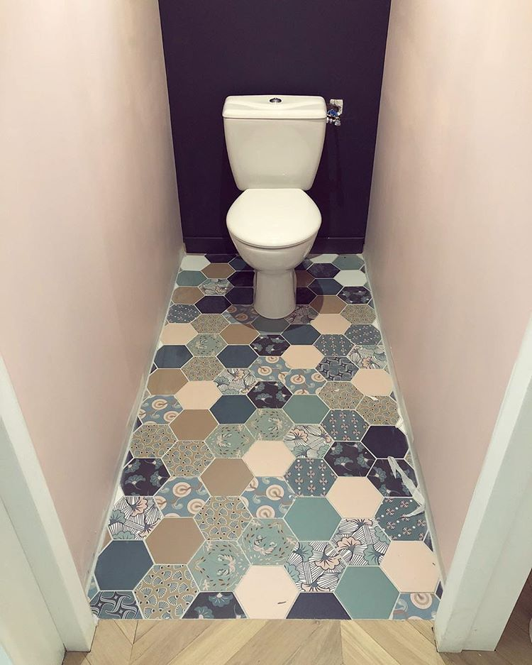 Oilets Ben Voila Les Wc 1 Sont Quasi Fin Small Toilet Living Room Ceiling Fan Small Toilet Room